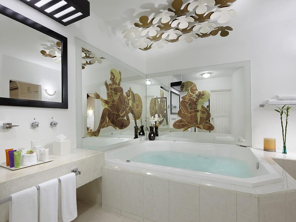 desire-riviera-junior-suite-jacuzzi-00-1200x900.jpg